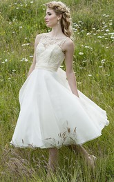 rustic Sleeveless Tea-length A-line Wedding Dress With Appliques