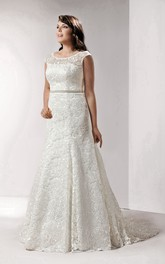 refined Lace Cap-sleeve A-line plus size wedding dress With Appliques And Court Train