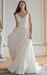 V-neck Sleeveless Ruched Wedding Dress