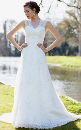 V-neck Sleeveless A-line Wedding Dress With Appliques And Court Train