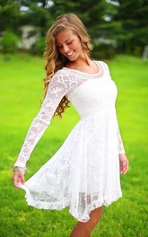 Classic Simple Long Sleeves Lace Beach Knee-Length Wedding Dress with Beadings