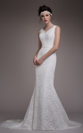 Elegant Scalloped Lace Cap Slleeve Bridal Gown