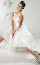 V-neck Sleeveless A-line Tea-length Dress With Appliques And bow