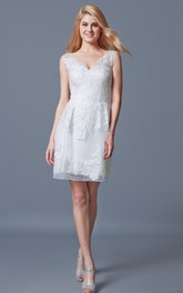 V-neck Sleeveless Pencil short Wedding Dress With Appliques