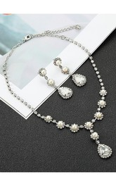 Unique Flower Shaped Rhinestone Necklace and Earrings Jewelry Set