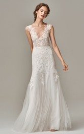 Elegant Sleeveless Sheath Lace Tulle V-neck Wedding Dress with Appliques and V Back