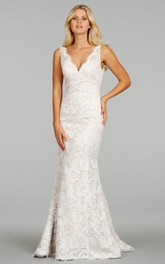 V-Neckline Lace Sleeveless Classic Floor-Length Dress