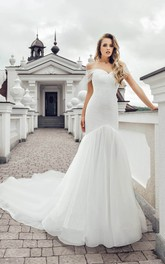 Elegant Off-the-shoulder Trumpet Ruched Wedding Dress with Chapel Train