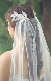 Simple Style Mid-length Beaded Veil