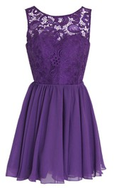 Short Lace Bodice Appliques A-Line Scoop-Neck Gown