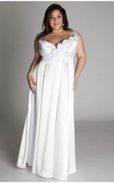 Sleeveless V-neck Sheath plus size wedding dress With Flowers