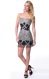 Sweetheart Short Form-Fitted Homecoming Dress With Iridescent Rhinestones