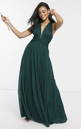Sexy Sleeveless Plunging Neckline Bridesmaid Dress With Ruching And Straps Back