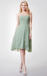 A-Line Sleeveless Sweetheart Knee-Length Bridesmaid Dress