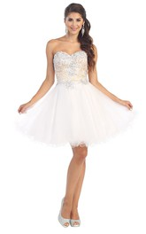 A-Line Lace-Up Tulle Lace Appliqued Short Mini Strapless Sweetheart Sleeveless Dress