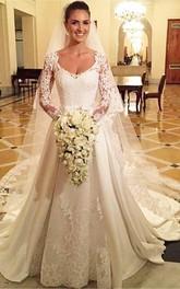 Long-Sleeve Lace Appliqued Scoop-Neck Elegant Bridal Dress