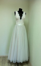 Long Lace Top Tulle Sleeveless V-Neckline A-Line Dress