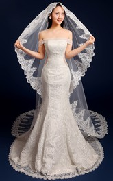 Korean Style Cathedral Wedding Veil with Exquisite Lace Edge