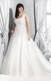 Tulle Sleeveless Ball Gown plus size wedding dress With Lace top