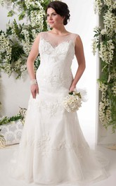 Scoop-neck Sleeveless Sheath Appliqued plus size wedding dress With Illusion And Court Train