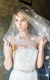 Vintage Style Short Tulle Wedding Veil with Flowers