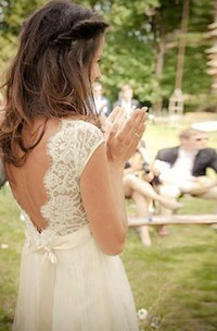 V-neck Chiffon Lace Cap Short Sleeve Wedding Gown