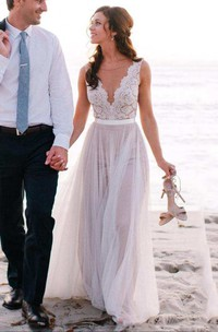 A-line Floor-length V-neck Sleeveless Tulle Dress with Pleats
