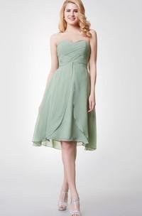 A-Line Sleeveless Sweetheart Knee-Length Bridesmaid Dress