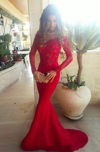 Appliqued Brush Train Long Sleeve Red Sassy Prom Dress