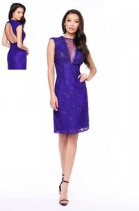 Sheath Knee-Length Jewel-Neck Sleeveless Lace Keyhole Dress
