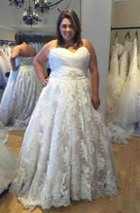 Sweetheart Lace  Sleeveless Wedding Dress