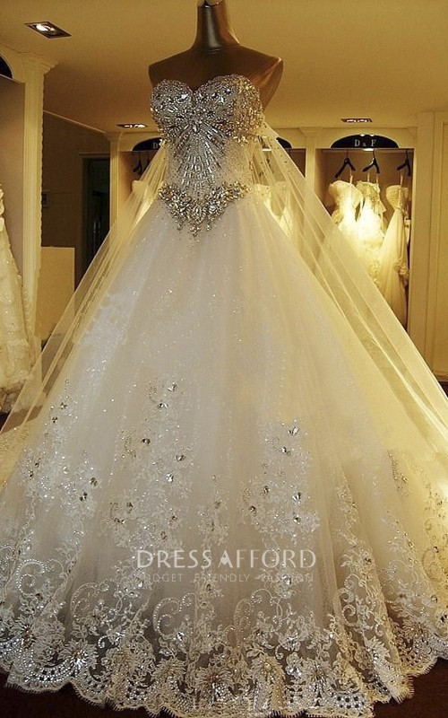 Luxury Watteau Train Strapless Sweetheart Ballgown Wedding Dress With Beading And Lace Appliques