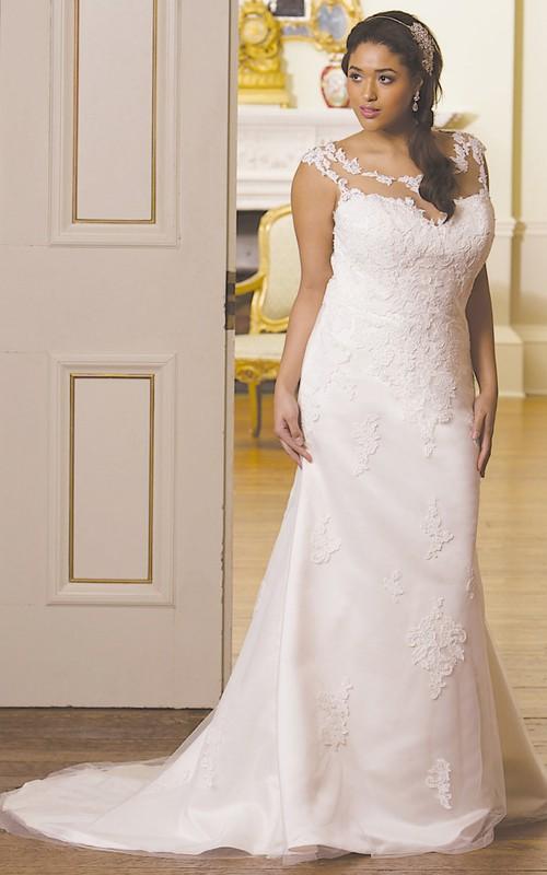 Cap-sleeve Scoop-neck Sheath plus size wedding dress With Appliques