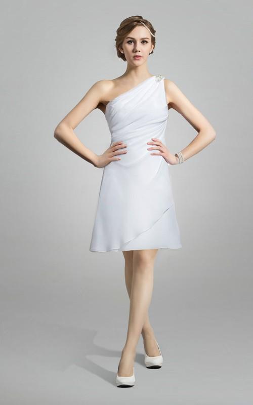 One-shoulder Sleeveless short Wedding Dress With Ruching And Zipper