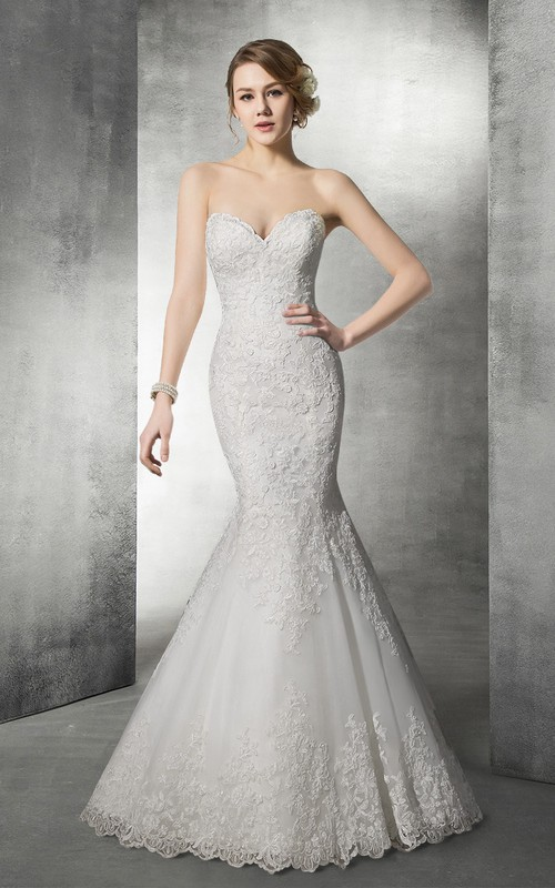 Sweetheart Mermaid Backless Lace Appliqued Wedding Dress With Court Train
