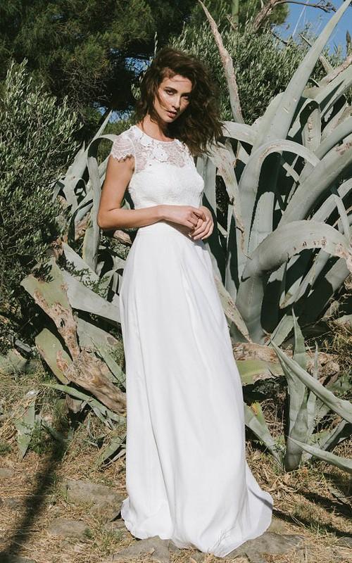 Classic Lace Short Sleeve Wedding Dress With Keyhole
