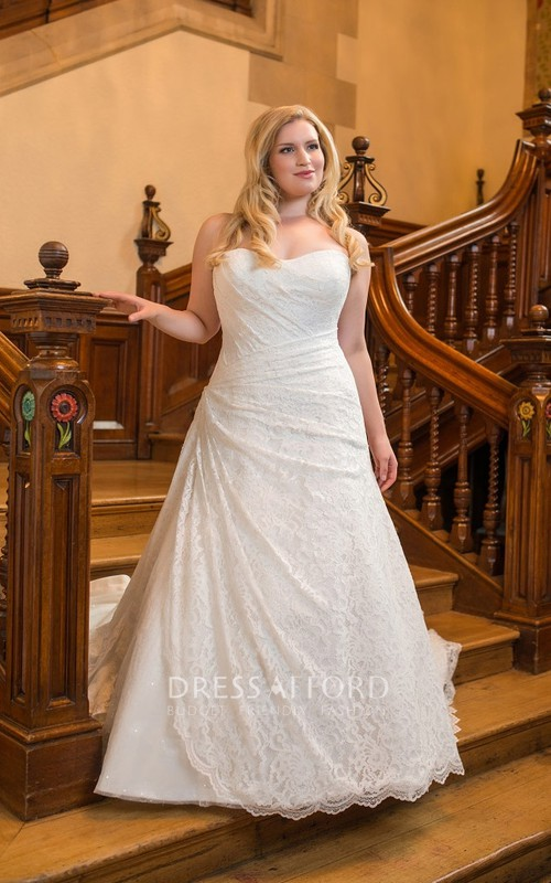 Sweetheart Lace Long A-Line Court-Train Sleeveless Dress