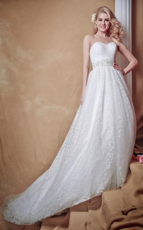 Deep-V-Back Wedding Strapless Brilliant Tulle Gown
