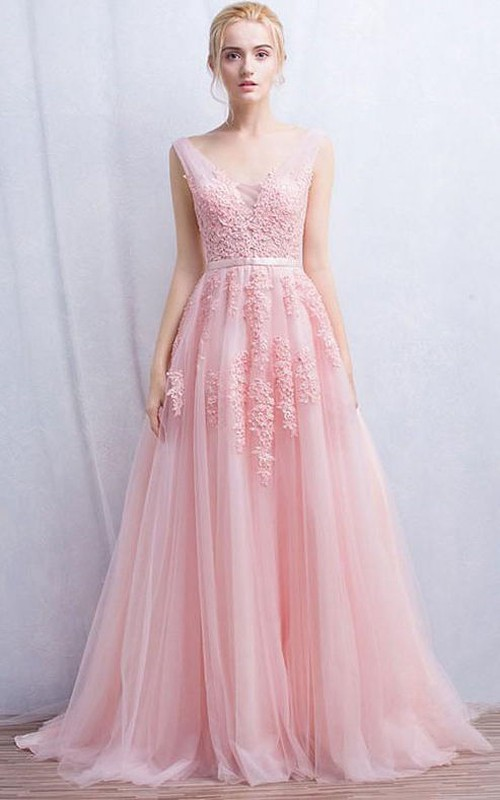 blushing Sleeveless A-line Tulle Prom Dress With Appliques And Pleats