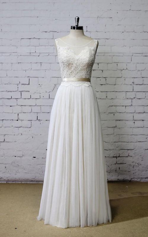 A-Line Champagne Underlay Sleeveless Scoop-Neckline Bridal Dress