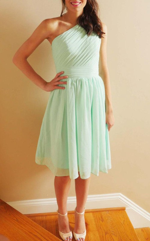 Chiffon One-shoulder Knee-length Bridesmaid Dress With Ruching