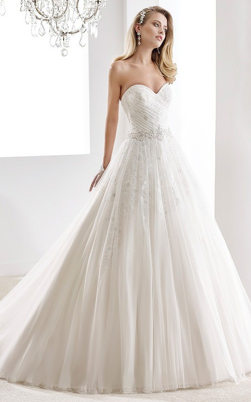 Sweetheart Criss cross Ball Gown Dress With Appliques And Pleats