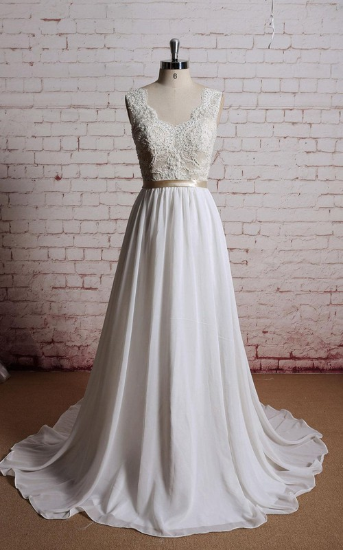Bridal Champagne Lining Of The Top Floor-Length V-Neckline Gown