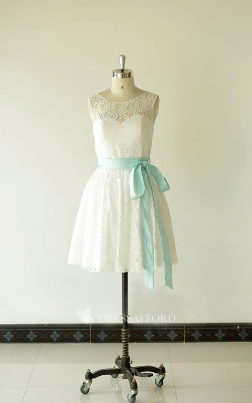 Scoop-neck Sleeveless short Lace Wedding Dress With bow And Low-V Back