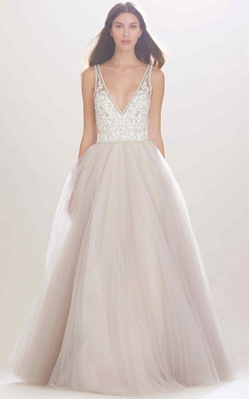 Plunged Sleeveless Tulle Ball Gown Dress With Beading And Appliqued top