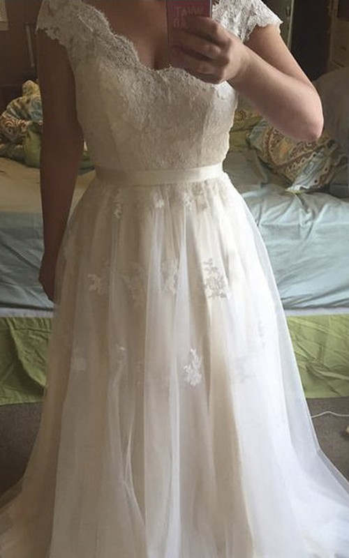 Tulle Lace Bodice Scalloped-Neck Cap-Sleeve Gown