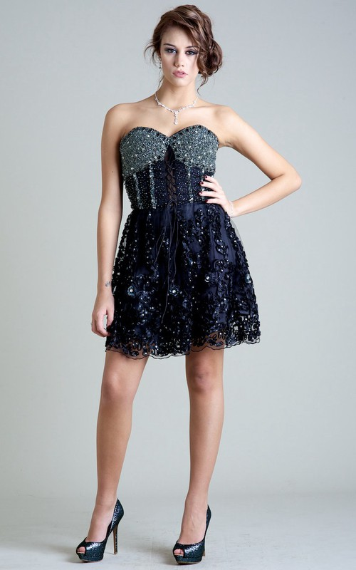 A Line Sleeveless Sweetheart Beaded Short Mini Prom Dress With Appliques