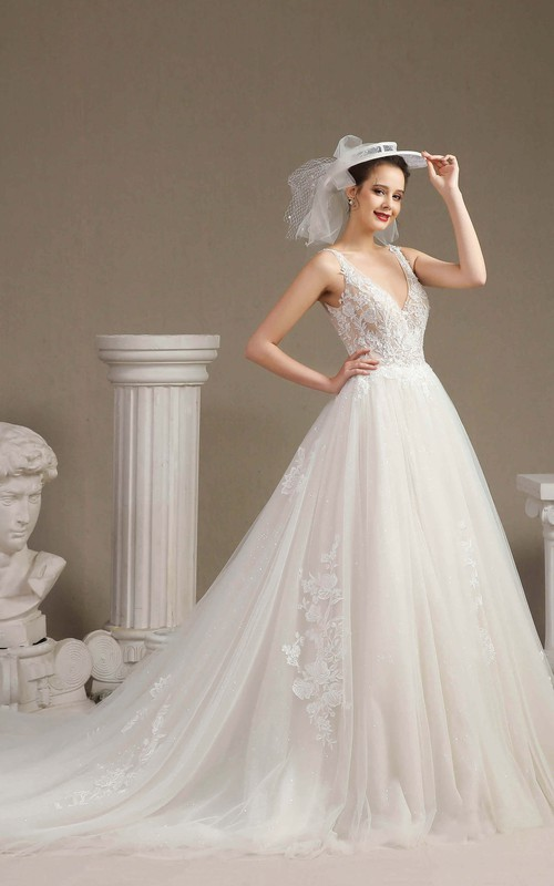 Sleeveless Ballgown Sexy Plunging V-neck Wedding Dress With V-back And Lace Appliques