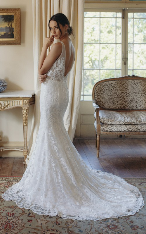 Sexy Mermaid Sleeveless Plunging V-neck Lace Bridal Gown With Deep V-back And Court Train