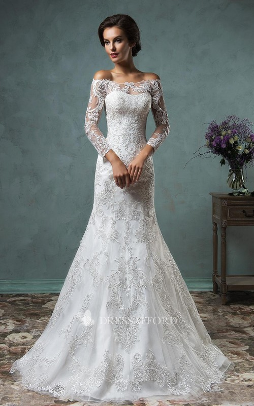 Long-Sleeve Appliqued Lace Short A-Line Button Beaded Dress